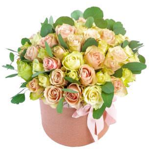Цветы в коробке «Искра радости»